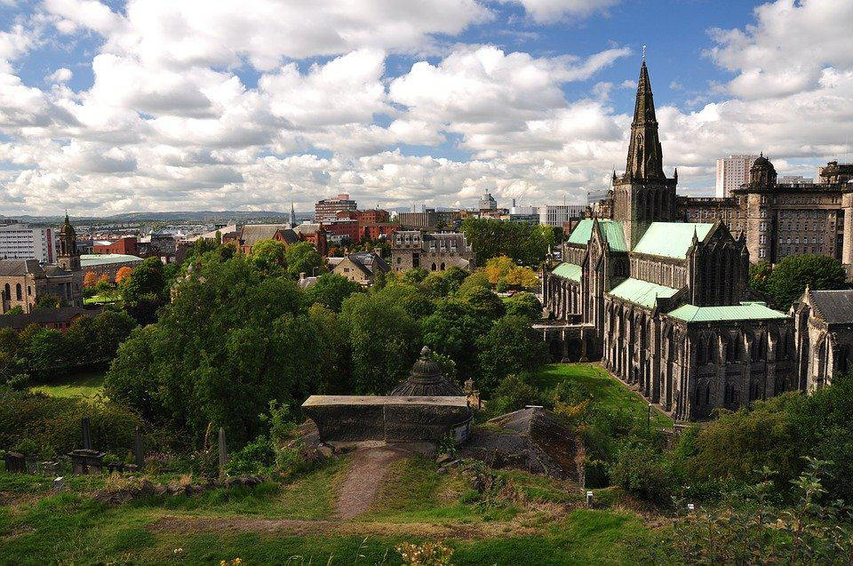 Glasgow Gothic Cathedral Church, a sight to see on your Aeroplan vacation