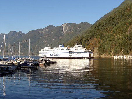 Horseshoe Bay, one of the Sea to Sky Highway attractions