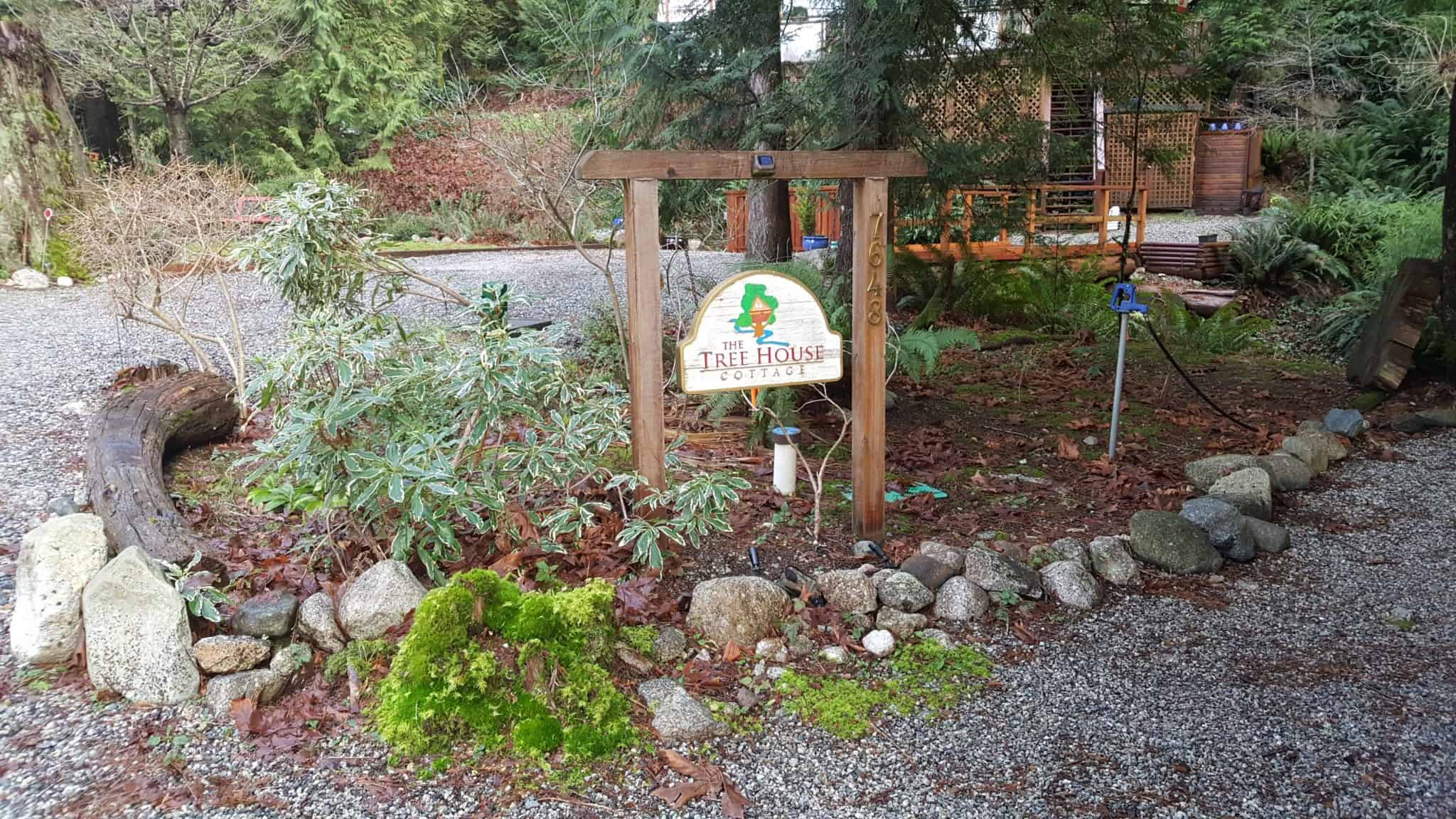 Entrance to the Sechelt Treehouse Cottage