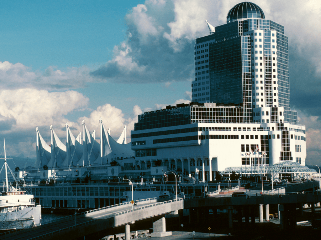 hotel in downtown Vancouver ?Canada