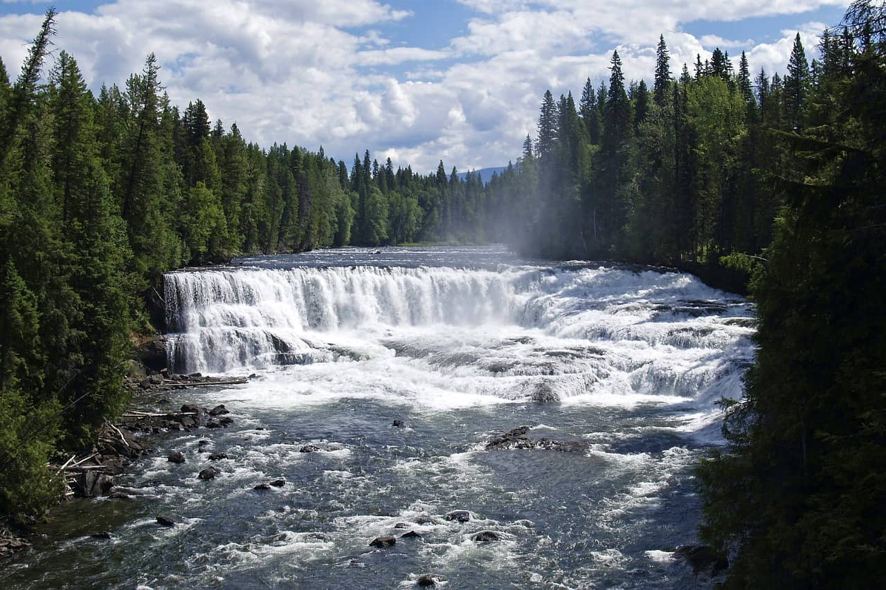 Waterfalls in Wells Gray Provincial Park, British Columbia - a beautiful sight on a Vancouver to Banff drive