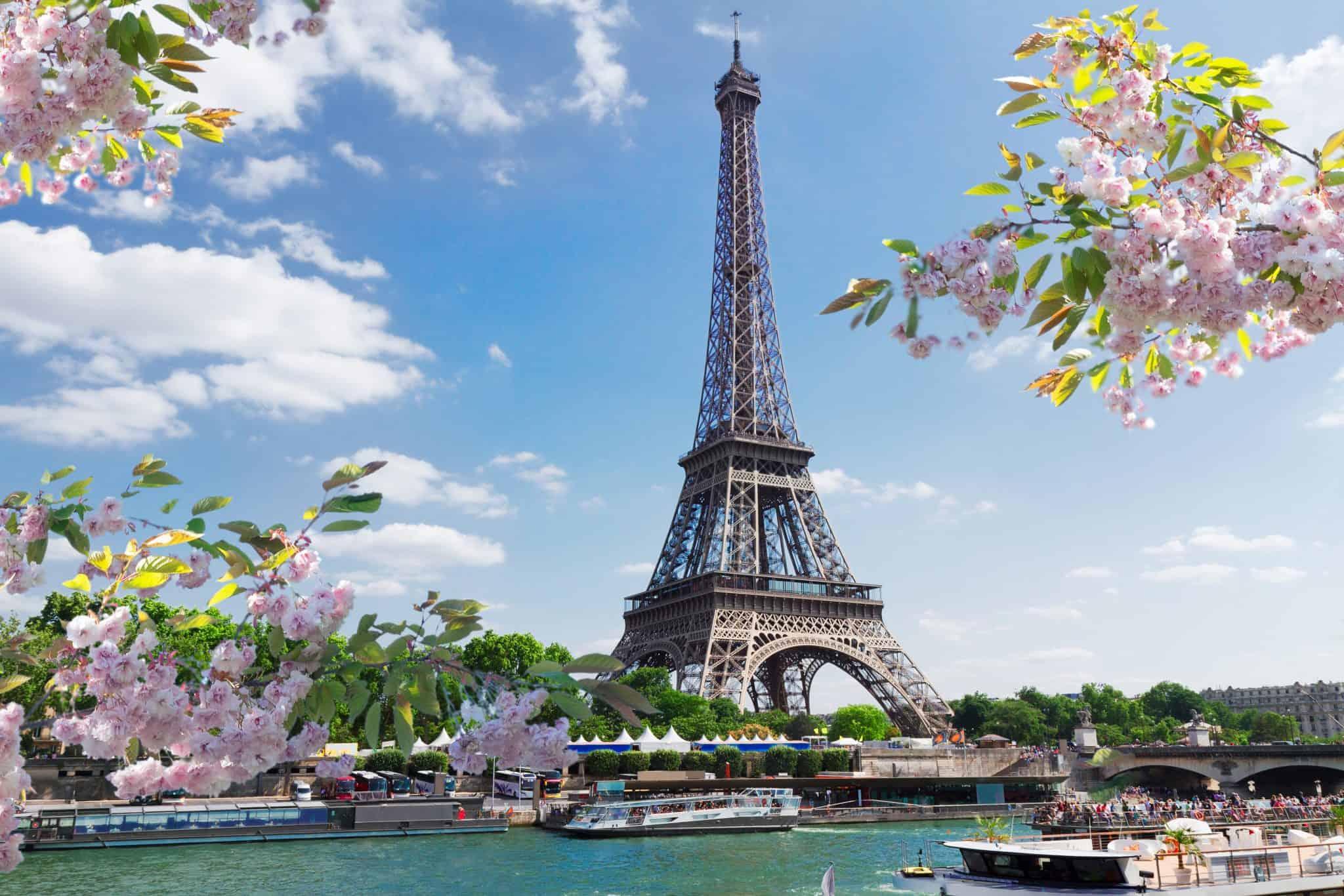 Eiffel Tower in Spring time - 4 days in Paris trip planner