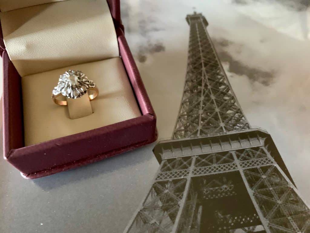 A beautiful Ring - one of the best things to buy in Paris