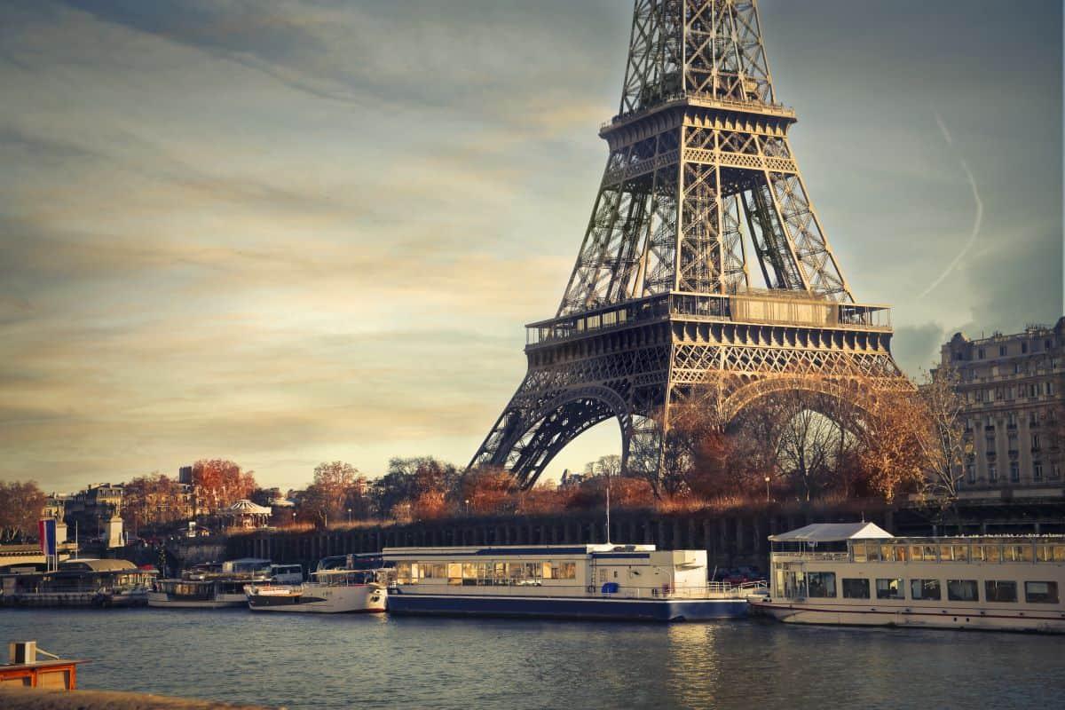 Paris river with Eiffel tower