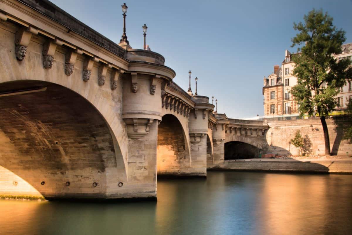 Best Paris dinner cruise