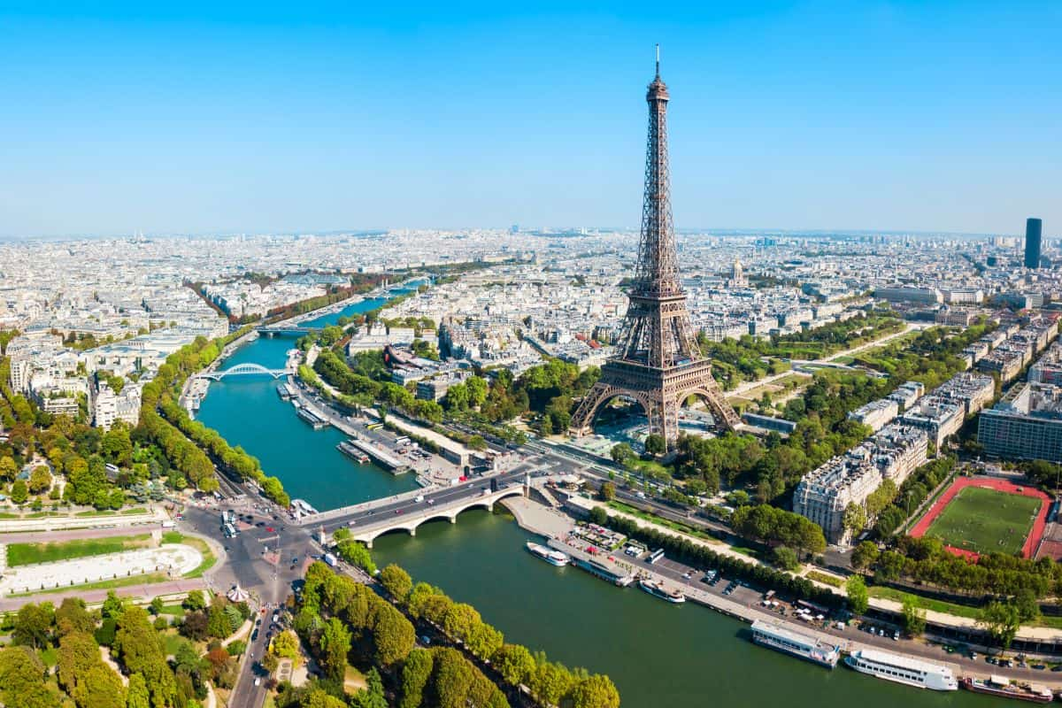 aeriel view of Paris with the Seine