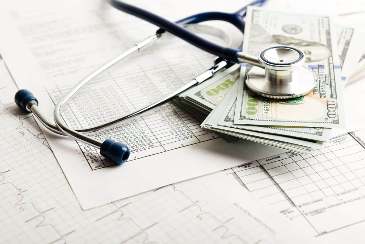 best travel insurance for canadians - stethoscope