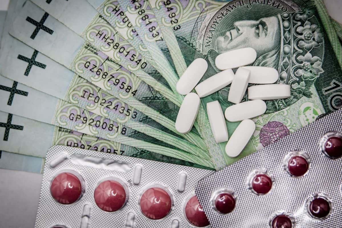 Canada travel insurance - pills and bills