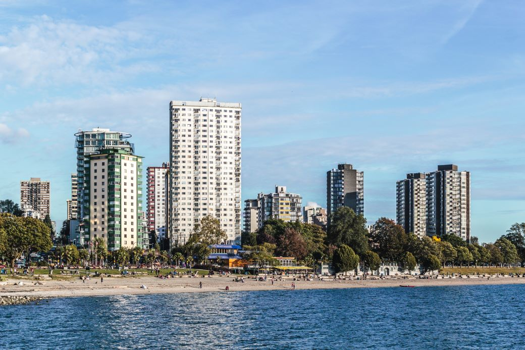 English Bay in Vancouver, a great spot when spending 48 hours in Vancouver
